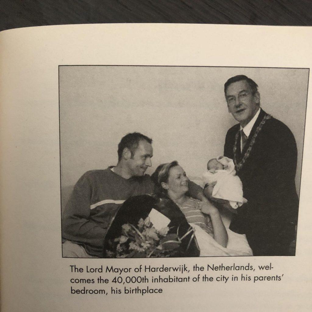 "Detalj iz knjige ""Guide to Childbirth"""